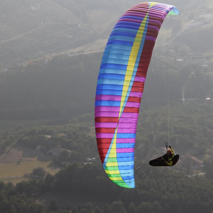 BGD Cure paraglider